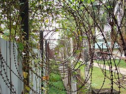 256px-Tuol_Sleng_Barbed_Wire