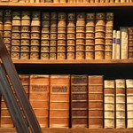 256px-Bookshelf_Prunksaal_OeNB_Vienna_AT_matl00786ch